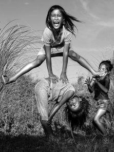 children-playing-philippines_40412_600x450